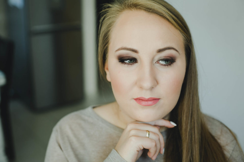 Makijaż na ślubną sesję plenerową